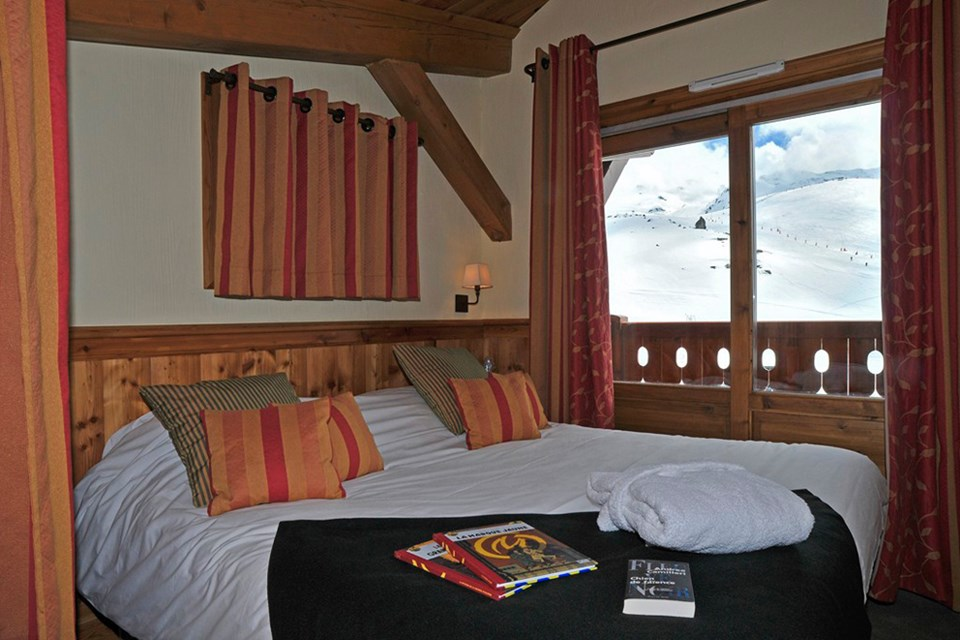 Les Neiges Eternelles, Val Thorens (3 Valleys) - Double Bedroom