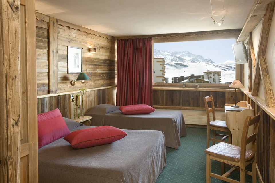 Hotel Les 3 Vallees, Val Thorens (3 Valleys) - Twin Bedroom