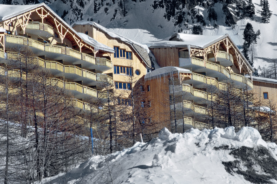Terrasses d'Azur, Isola 2000 (Southern Alps) - Overlooks resort and Chastillon Valley