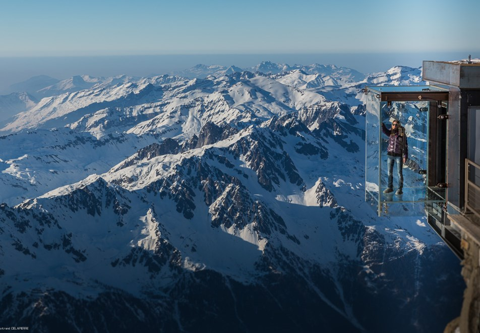 Chamonix Ski Resort - Step into the Void