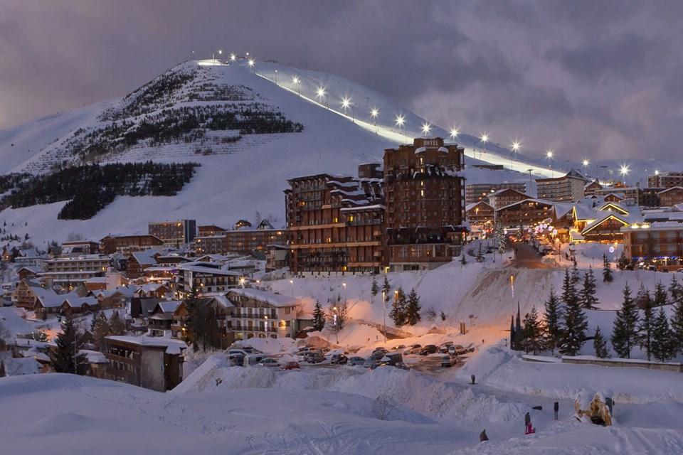 Alpe D Huez Ski Holidays Ski Apartments France Ski