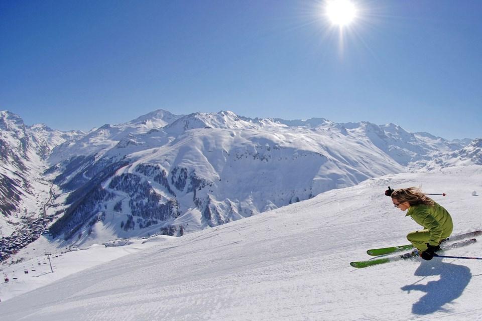 tignes val d 39 isere ski holidays ski apartments france. Black Bedroom Furniture Sets. Home Design Ideas