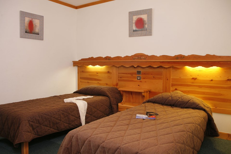 Village Montana, Val Thorens (3 Valleys) - Twin Bedroom