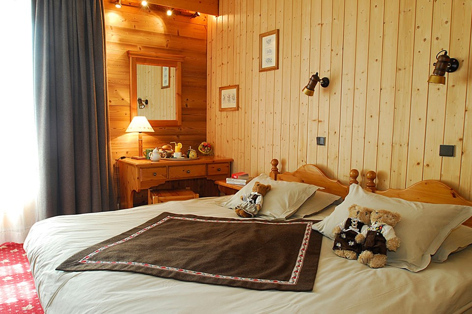 Le Sherpa, Val Thorens (3 Valleys) - Double Bedroom