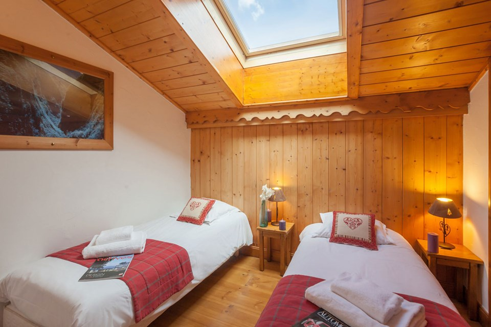 Les Alpages de Reberty, Les Menuires (3 Valleys) - Twin Bedroom