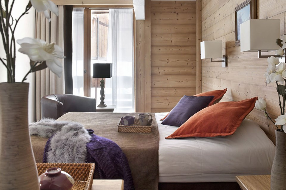 Chalets du Forum, Courchevel (3 Valleys) - Double Bedroom