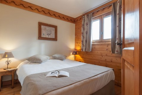 Fermes de Meribel, Meribel (3 Valleys) - Double Bedroom