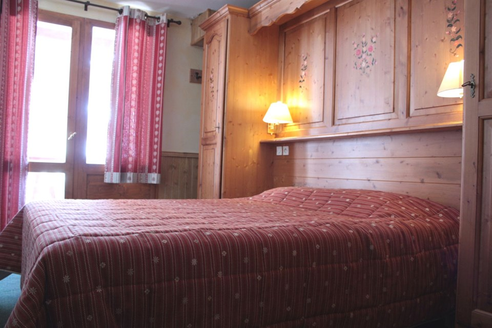 Balcons de Belle Plagne,  La Plagne (Paradiski) - Double Bedroom