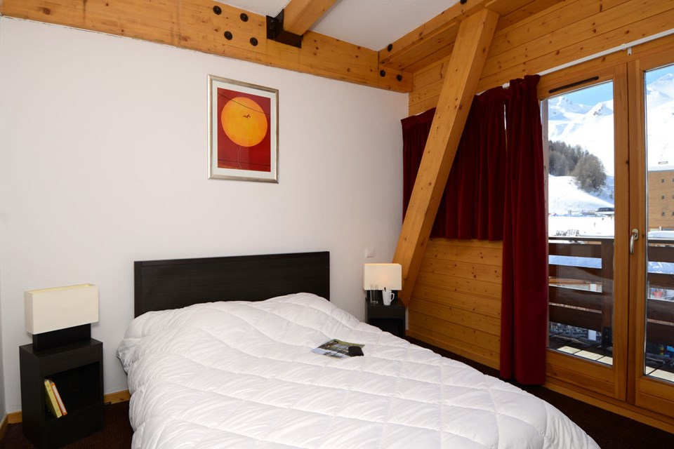 Le Pelvoux, Plagne Centre (Paradiski) - Double Bedroom