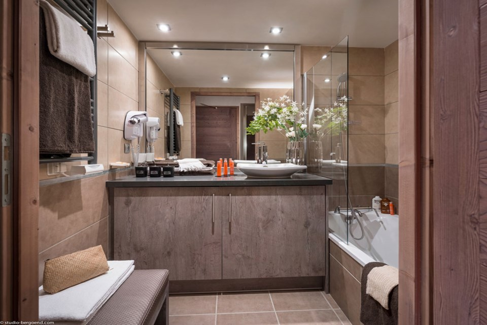 Le Centaure, Flaine (self catered apartments) - Bathroom
