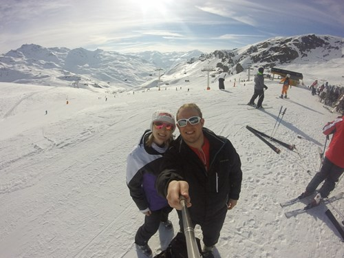 Couples Skiing in Val Thorens