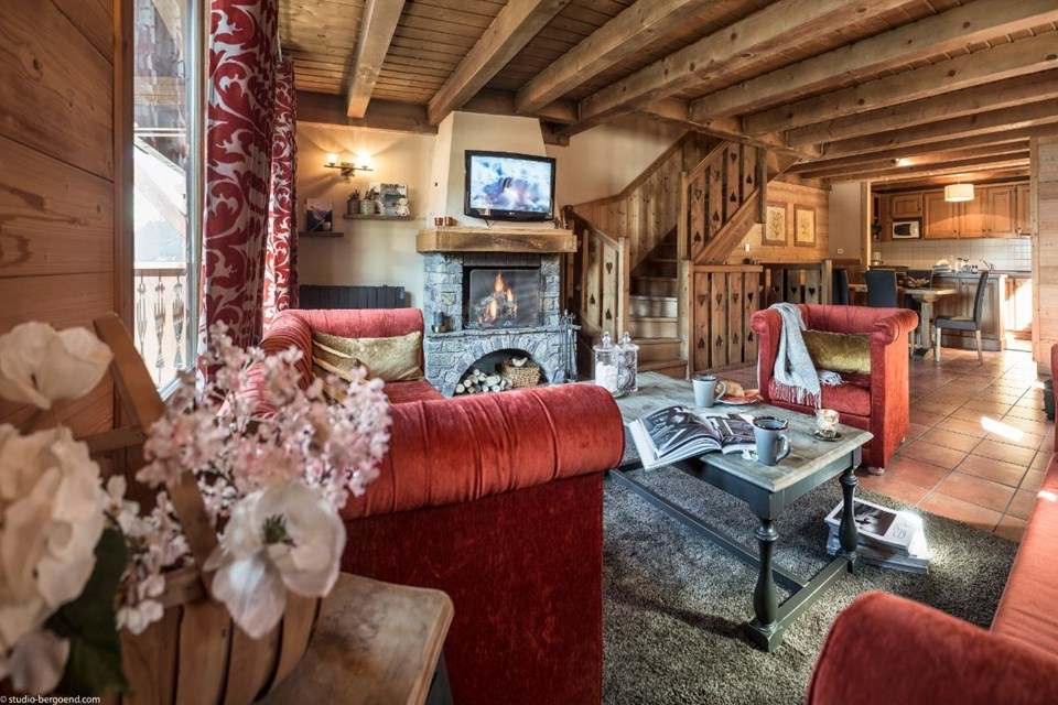 les chalets de la mouria courchevel moriond ski collection. Black Bedroom Furniture Sets. Home Design Ideas