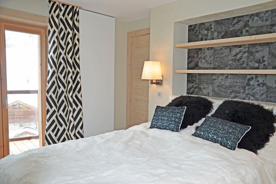 Cygnaski, Val d'Isere (Tignes-Val d'Isere) - Double Bedroom with Balcony