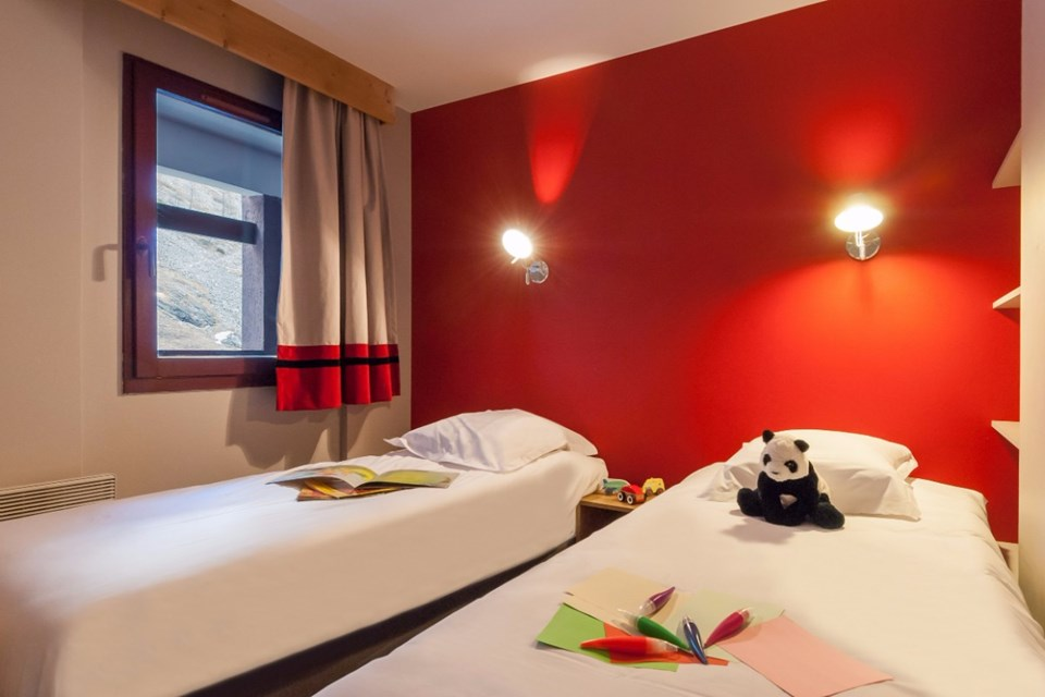 Les Balcons de Bellevard, Val d'Isere (self catered apartments) - Twin Bedroom