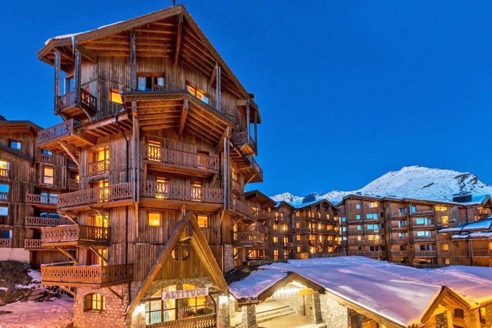 chalet altitude val thorens ski holidays ski collection. Black Bedroom Furniture Sets. Home Design Ideas