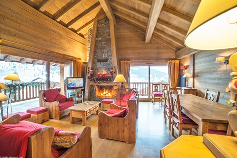 Chalets les Granges, Meribel (self catered apartment) - Spacious SW facing apartment with open fire and large balcony
