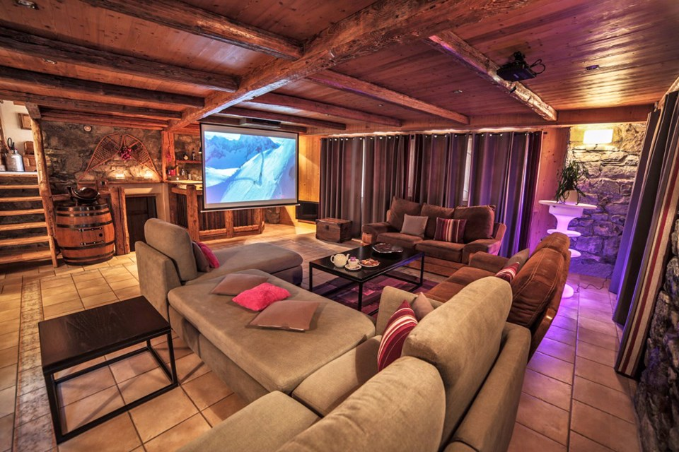 La Ferme, Meribel (Bed & Breakfast chalet) - Cinema room