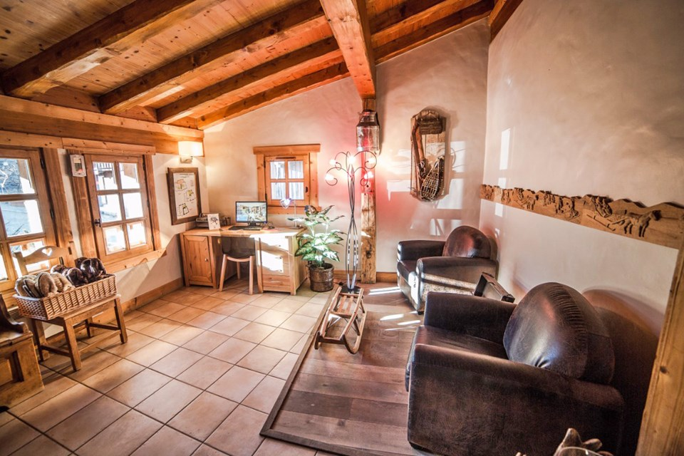 La Ferme, Meribel (Bed & Breakfast chalet) - PC room