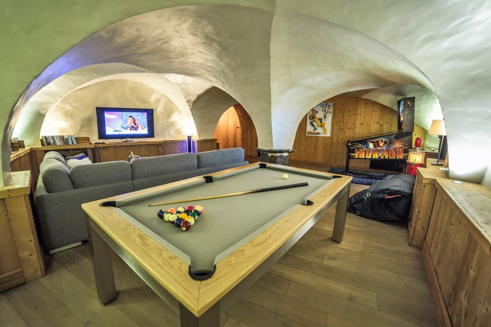 La Ferme, Meribel (Bed & Breakfast chalet) - Games area
