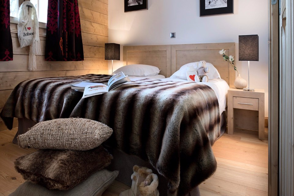 Oree des Neiges, Peisey Vallandry (self catered apartments) - Double Bedroom