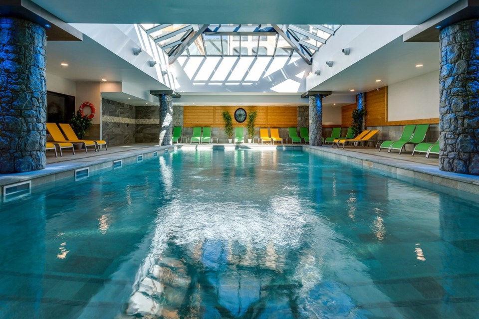 Le Napoleon, Montgenevre (self catered apartments) - Indoor pool
