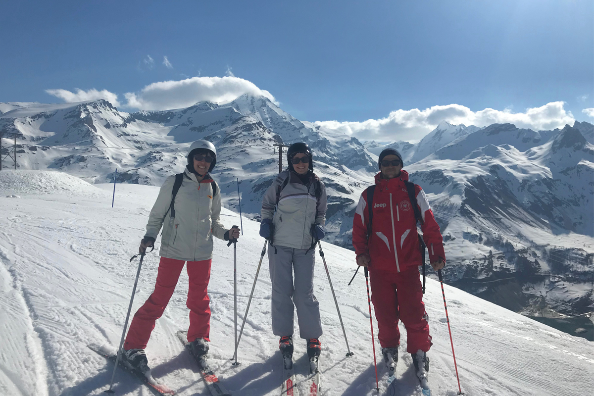 Skiing the Grande Motte with our ESF instructor