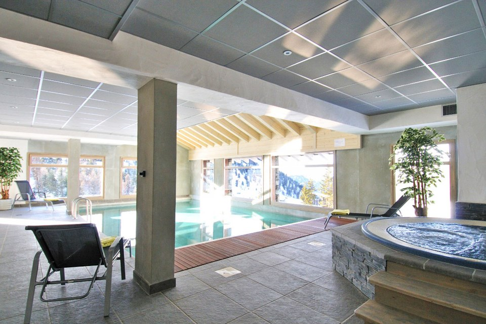 Carlina, Belle Plagne (self catered apartments and hotel) - Indoor pool