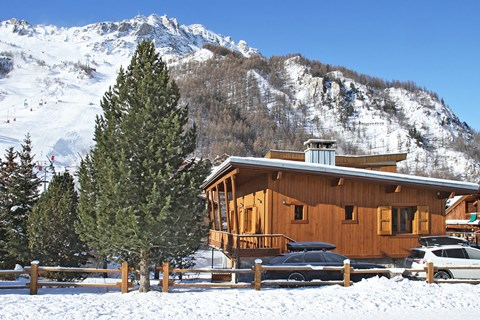Le Cabrini, Val d'Isere (self catered chalet) - Excellent location right by the slopes
