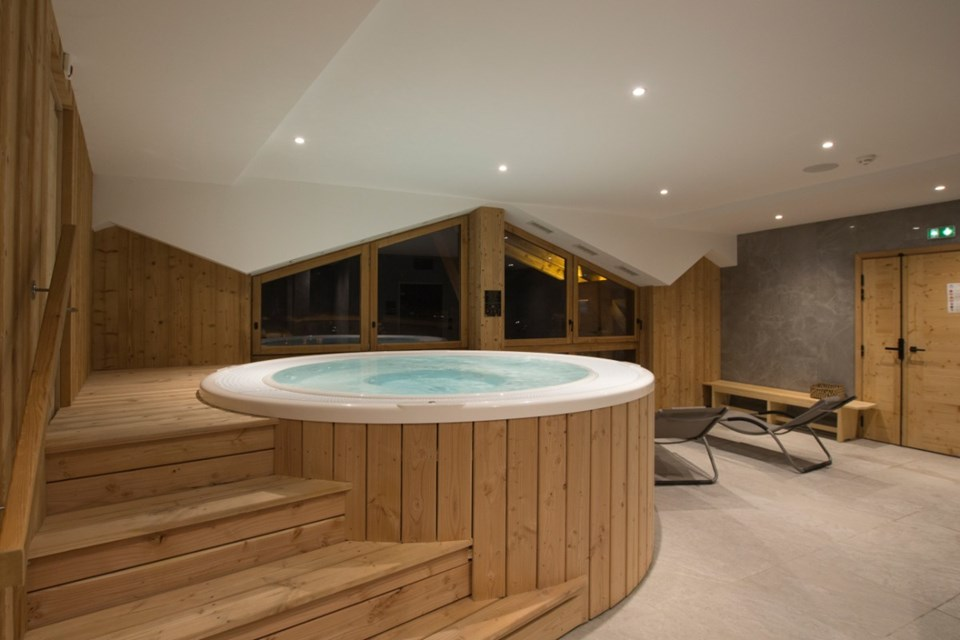 Avancher, Val d'Isere (self catered apartments & hotel) - Spa