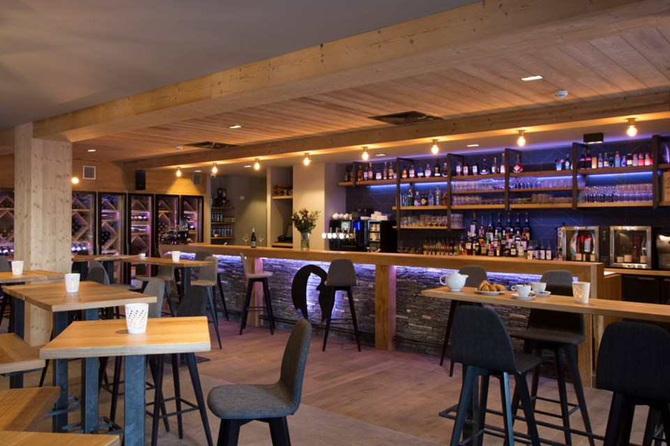 Avancher, Val d'Isere (self catered apartments & hotel) - Bar