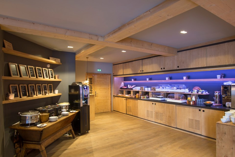 Avancher, Val d'Isere (self catered apartments & hotel) - Breakfast
