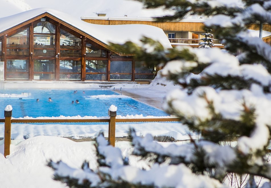 Alpe d'Huez Ski Resort (©Laurent-Salino) - Outdoor pool