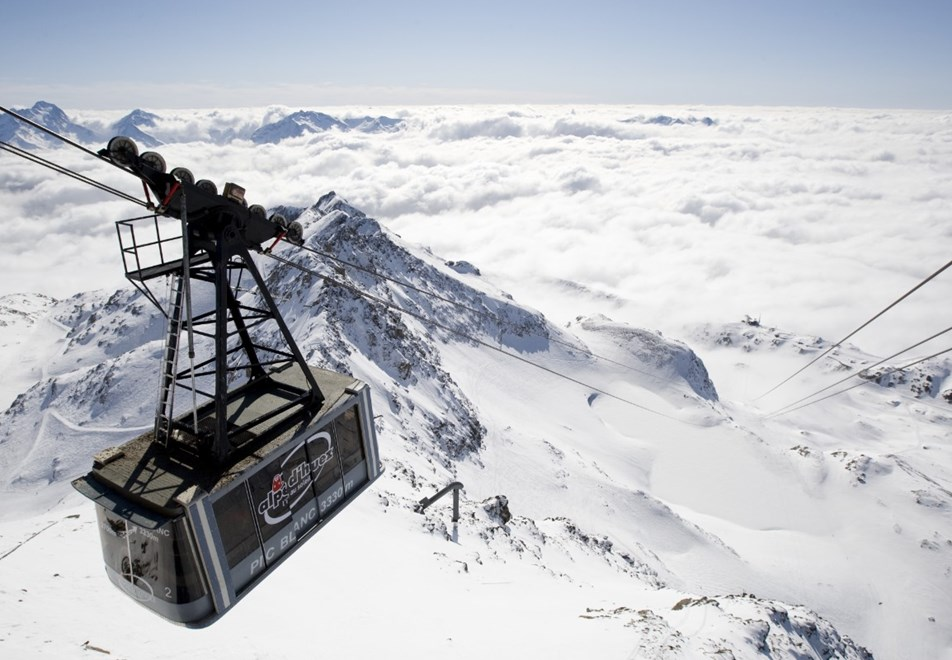 Alpe d'Huez Ski Resort - Pic Blanc cable car