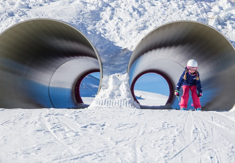 Alpe d'Huez Ski Resort (©Laurent-Salino) - Marcels Farm fun zone