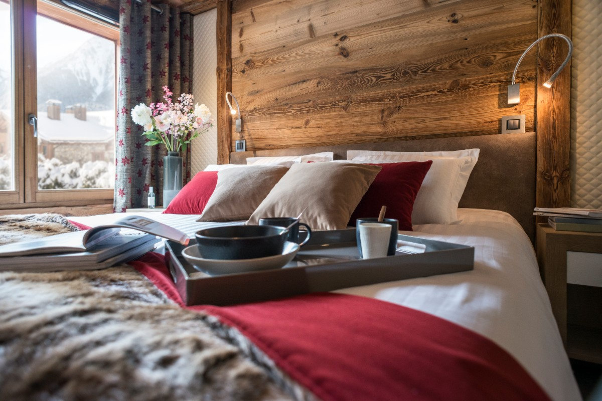 Cristal de Jade, bedroom, self-catered apartments, Chamonix