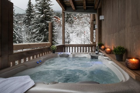 Manali lodge hot tub, Courchevel