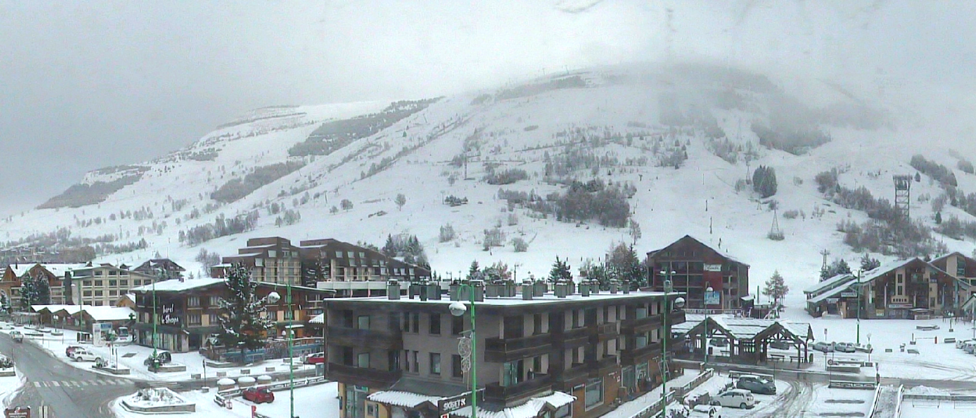 Les 2 Alpes Station webcam 21 November 2018