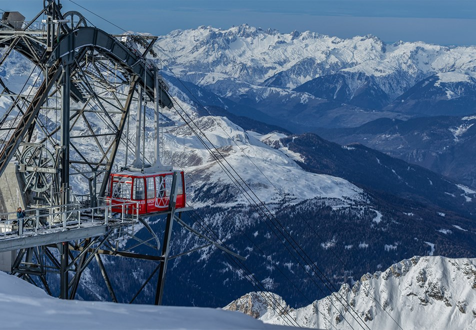 Les Arcs Ski Resort - Aiguille Rouge view point (©Raj-Bundhoo)